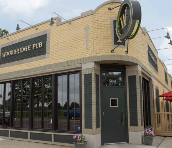 LocalEats Woodbridge Pub in Detroit restaurant pic