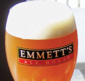 LocalEats Emmett's Tavern & Brewing Co in Chicago restaurant pic