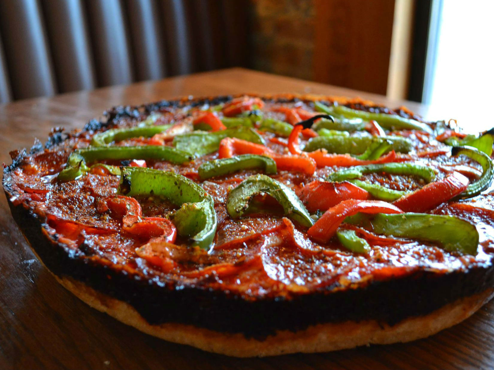 LocalEats Pequod's Pizza in Chicago restaurant pic