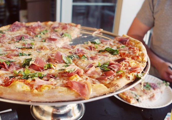 LocalEats Five Points Pizza in Nashville restaurant pic