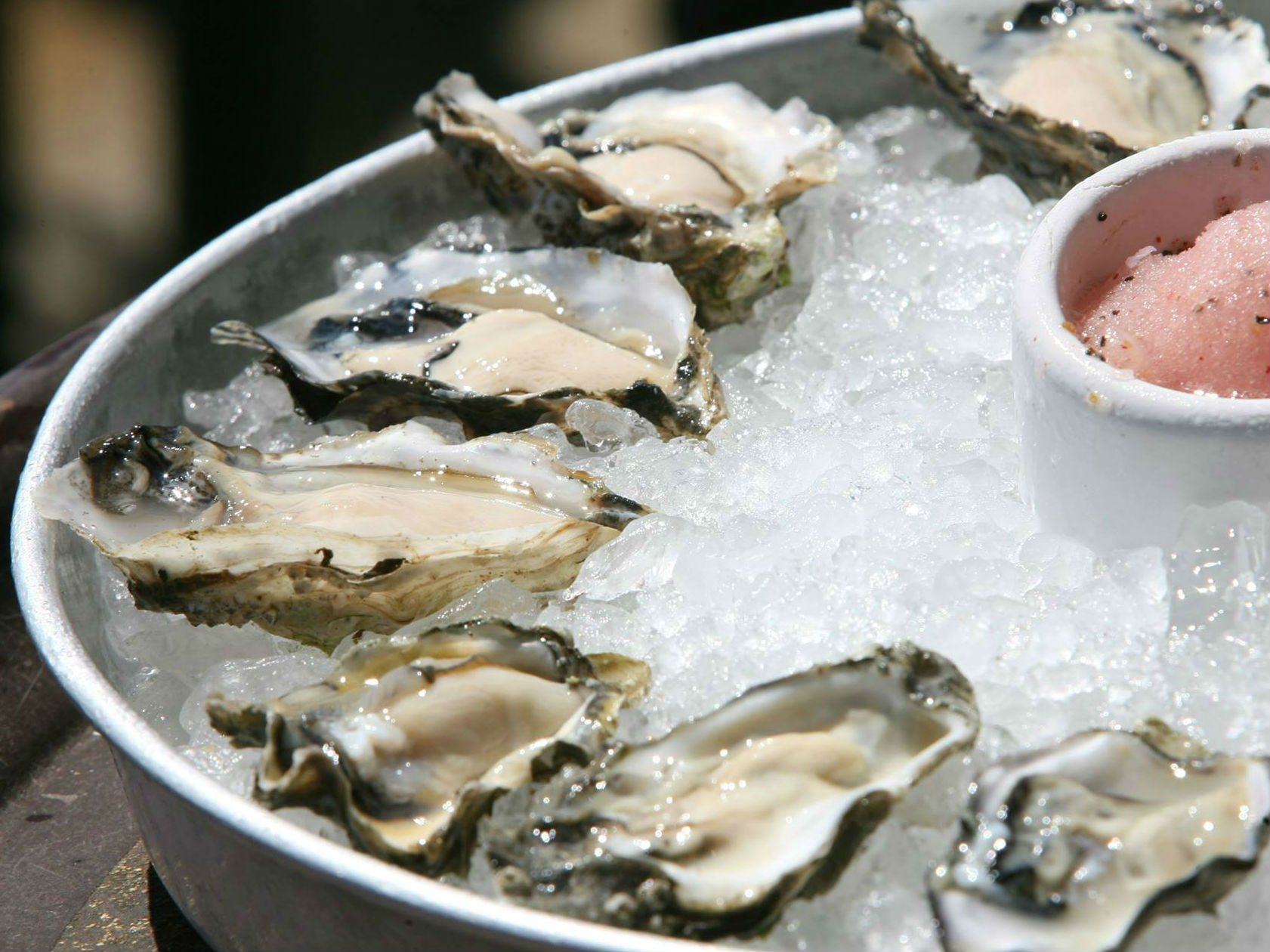 LocalEats Elliott's Oyster House in Seattle restaurant pic