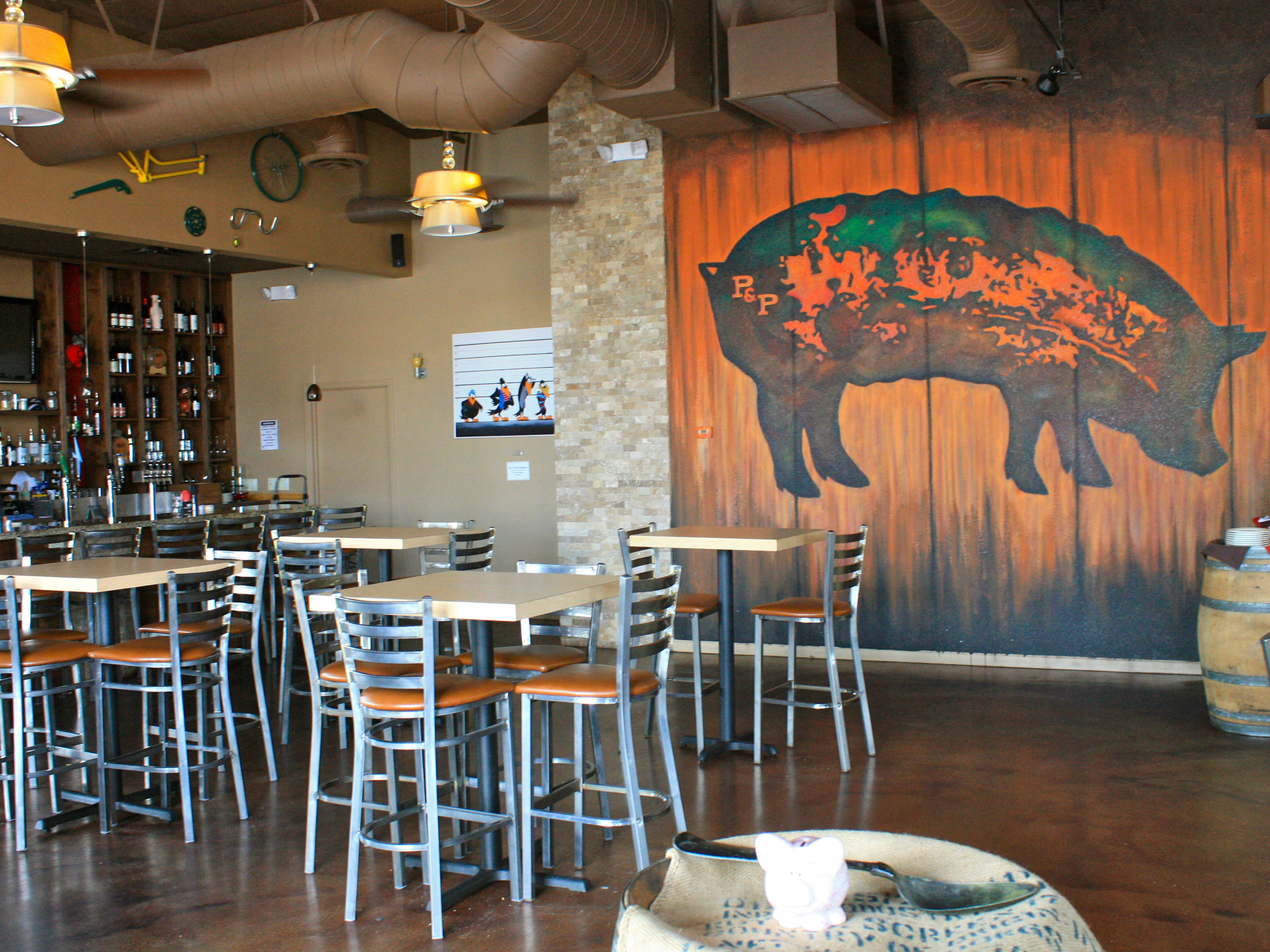 LocalEats Pig & Pickle in Scottsdale restaurant pic