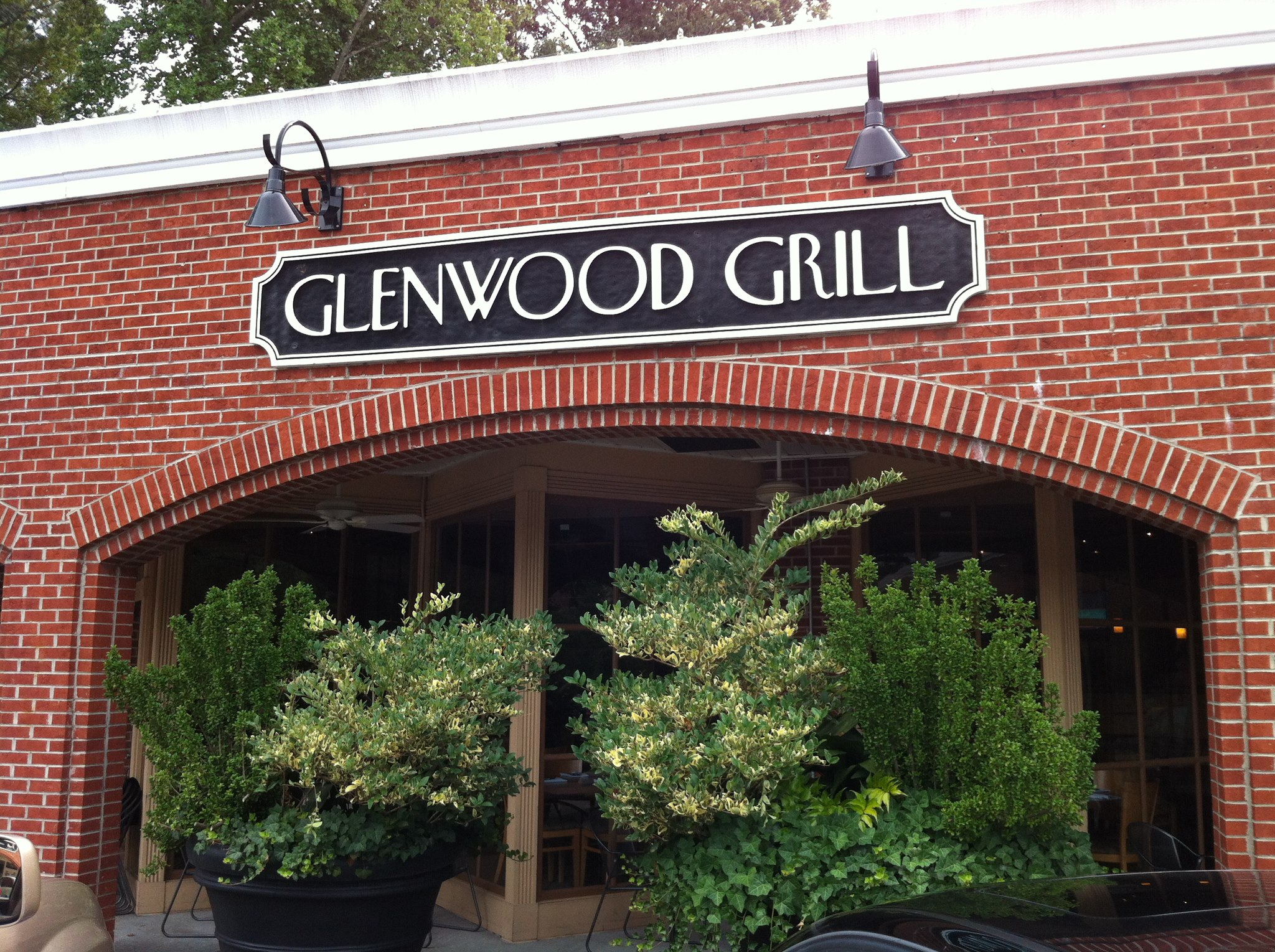 LocalEats Glenwood Grill in Raleigh restaurant pic