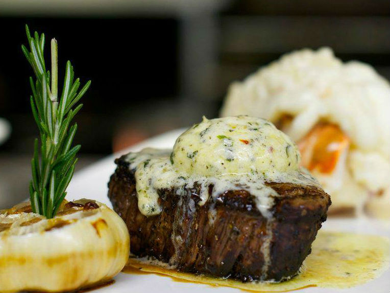 LocalEats XO Prime Steaks in Cleveland restaurant pic