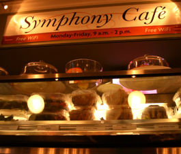 Symphony Cafe, The photo